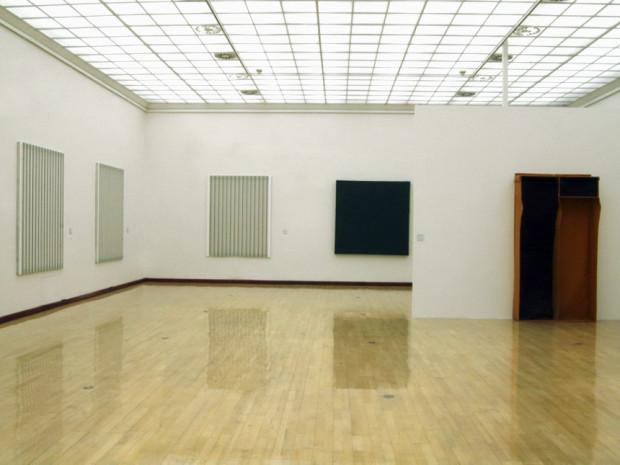 HZ_o.T._2006_Ausstellungsansicht_mit_Carsten_Nicolai_und_Franz_Erhard_Walther